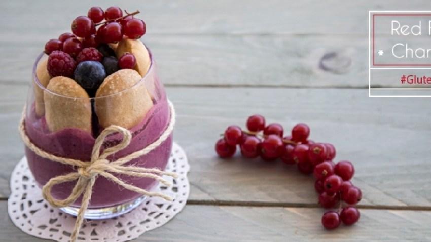 Σαρλότ στο ποτήρι με κόκκινα φρούτα (Charlotte)