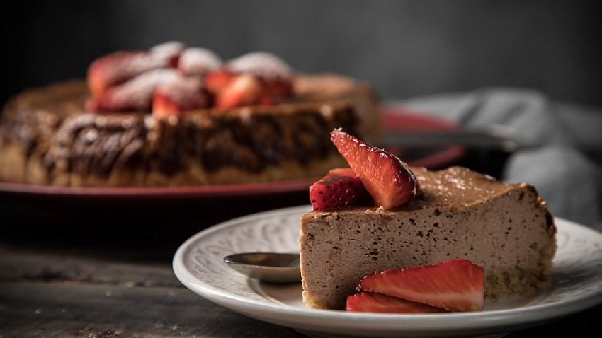 Ελαφρύ cheesecake σοκολάτας (VIDEO)