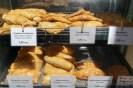 Αυτές τις λαχταριστές πίτες τις βρίσκετε στο πιο μικρό μαγαζί του Συντάγματος