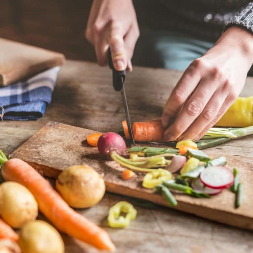 Single στην κουζίνα: τι να έχεις πάντα στην κατάψυξη για να τρως καλά