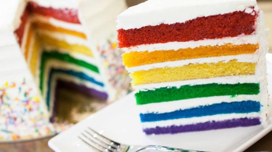 8 Pride κέικ του Instagram που θα λιγουρευόμαστε αυτό το περήφανο ΣΚ
