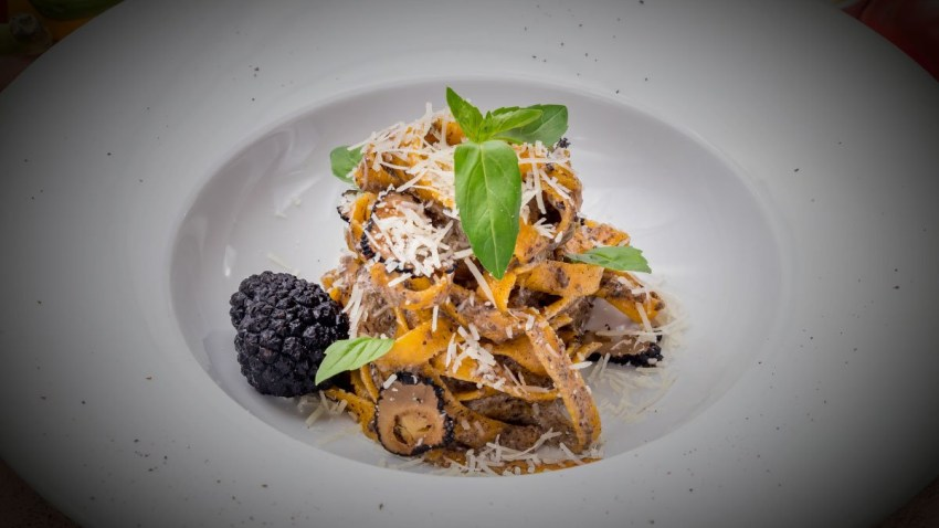 Dine Athens: Επιστρέφει με 120+ εστιατόρια & μενού 15€, 30€, 60€