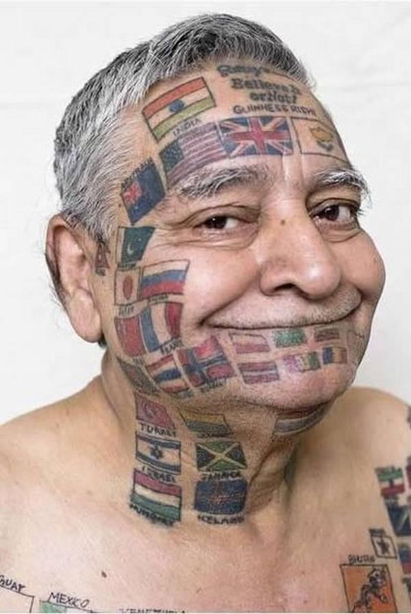 見ているこっちが恥ずかしい!史上最悪のタトゥー14選【画像】