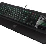 Razer DeathStalker Ultimate con pantalla LCD y touchpad incorporados