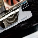 ASUS GeForce GTX 670 DirectCU Mini sonríe para la cámara