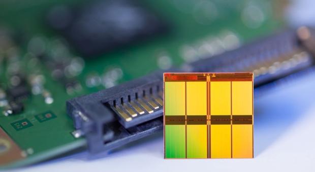Micron_16nm_Nand_Flash_chip