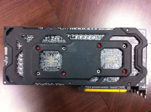 PowerColor_Radeon_R9295X2_Devil13_03