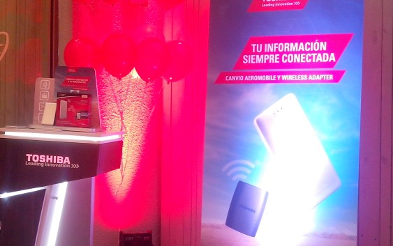 Toshiba nos presento sus nuevos productos: Canvio Wireless SSD y Canvio Wireless Adapter