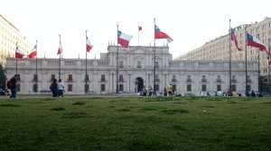 La moneda, la casa de gobierno de Chile. Fotografia tomada con Moto Maxx (click en la imagen para agrandar)