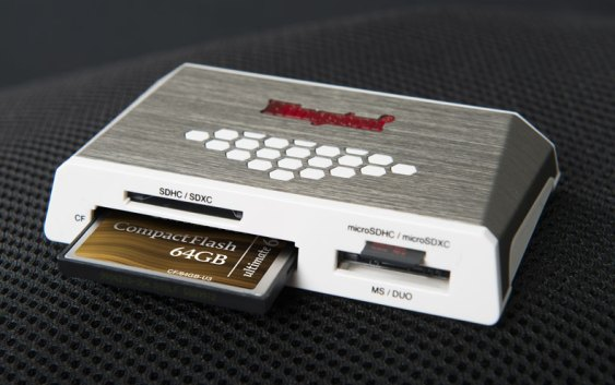 Kingston lanzó Lector de Alta Velocidad y Memoria CompactFlash de 64GB