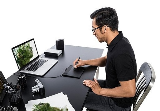 intuos-photo-pen-and-touch-small_a