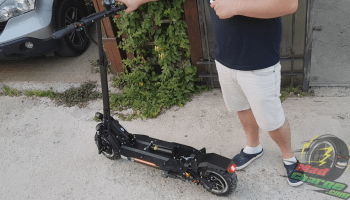 FLJ T113 11inch Off Road Electric Scooter Riding 1