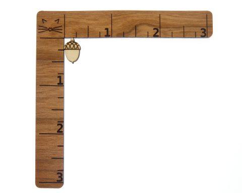 Acorns Engraved Wood Cabochons