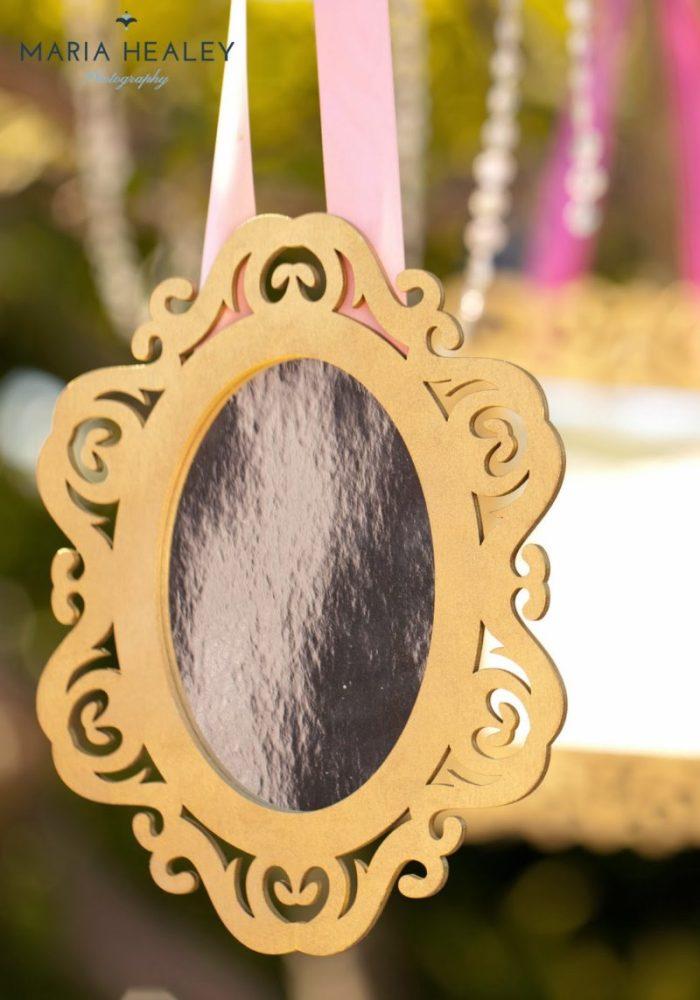 Marie+Antoinette-frame.jpg