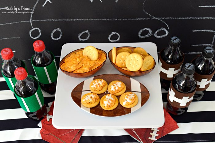 crock pot buffalo chicken dip on ritz crackers with coca cola