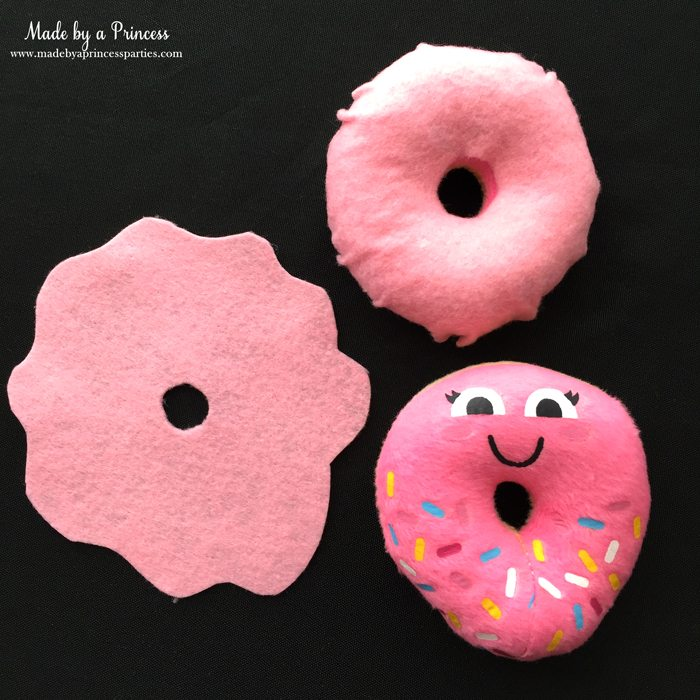diy-shopkins-shoppie-halloween-costume-cover-felt-donut-in-pink-felt-to-look-like-frosting