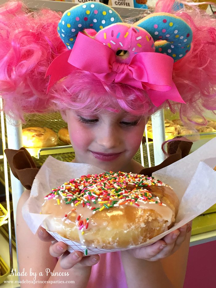 diy-shopkins-shoppie-halloween-costume-donatina-says-this-donut-was-made-just-for-you