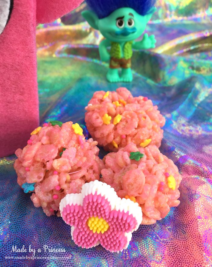 trolls-movie-princess-poppy-popcorn-box-party-pink-rice-krispie-treat-balls-with-flower-sprinkles