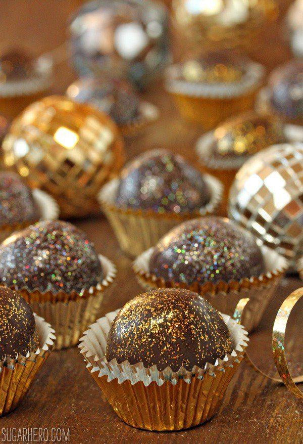 bubbly-champagne-recipe-cocktail-ideas-disco-truffles
