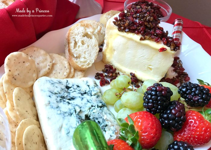 budget-friendly-holiday-mimosa-bar-party-cheese-and-fruit-platter-2