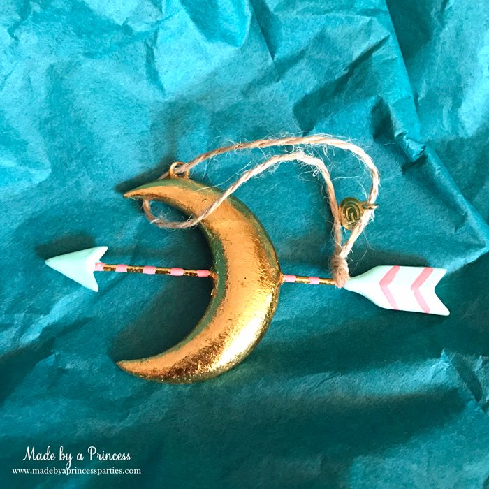 budget-friendly-holiday-mimosa-bar-party-moon-and-arrow-ornament