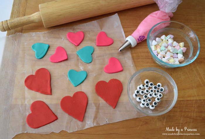 mini-lovebug-cupcakes-tutorial-supplies