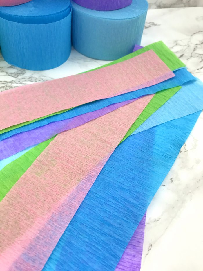 unicorn tail party idea tutorial cut strips of crepe paper