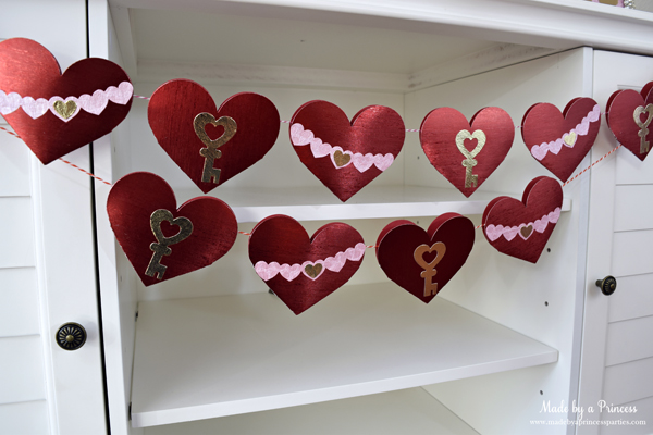 DIY Valentine's Day Countdown Banner with Sizzix made with sparkly red paper