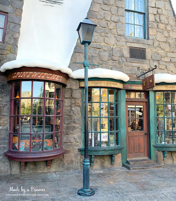 Universal Studios Hollywood Hogsmeade use your wand in the window of Spintwiches