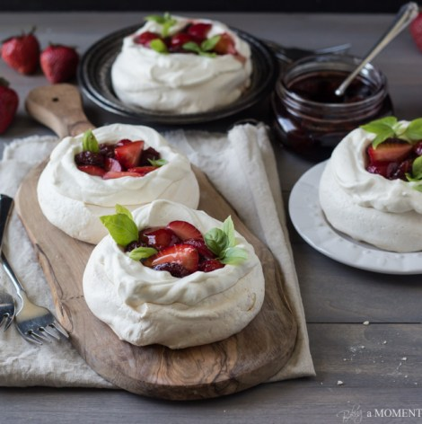 Strawberry-Balsamic-Pavlovas