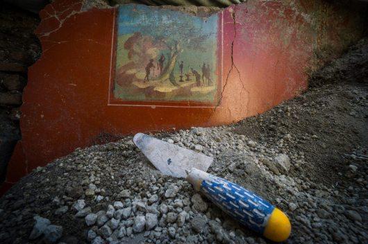 Pompei Regio V fonte PaP Quadretto idillico sacarale Casa a Nord del giardino
