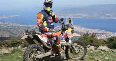 Dal Vesuvio all'Etna: rombo di motori per il Rally dei Vulcani che parte da Pompei