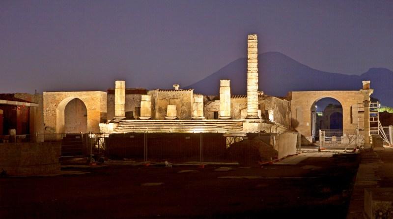 Ritornano le passeggiate notturne negli Scavi di Pompei e nei siti archeologici vesuviani