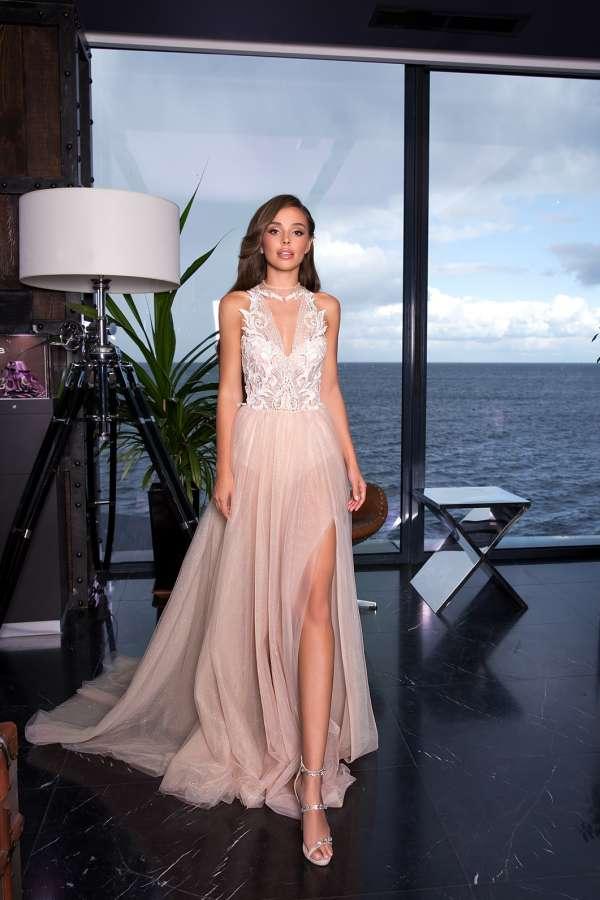 Вечерние платья 2019 купить в салоне Мадейра в Киеве на Подоле