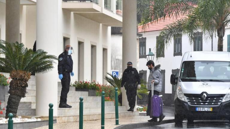 Passengers have already arrived at the Hotel Vila Galé Santa Cruz