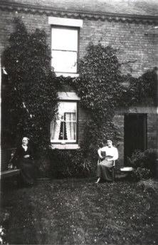 Sarah Downend and Agnes Downend at Woodburn, Leycett ca 1915