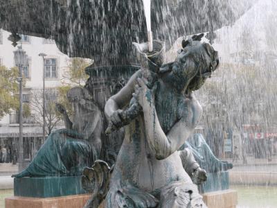 Lisbonne chiado_fontaine_mademoiselle-e
