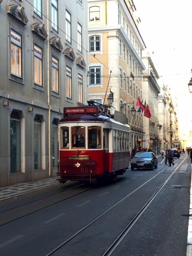 Lisbonne tram_mademoiselle-e