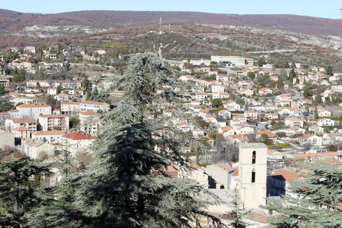 robe noire couvent des minimes spa occitane village mademoiselle e