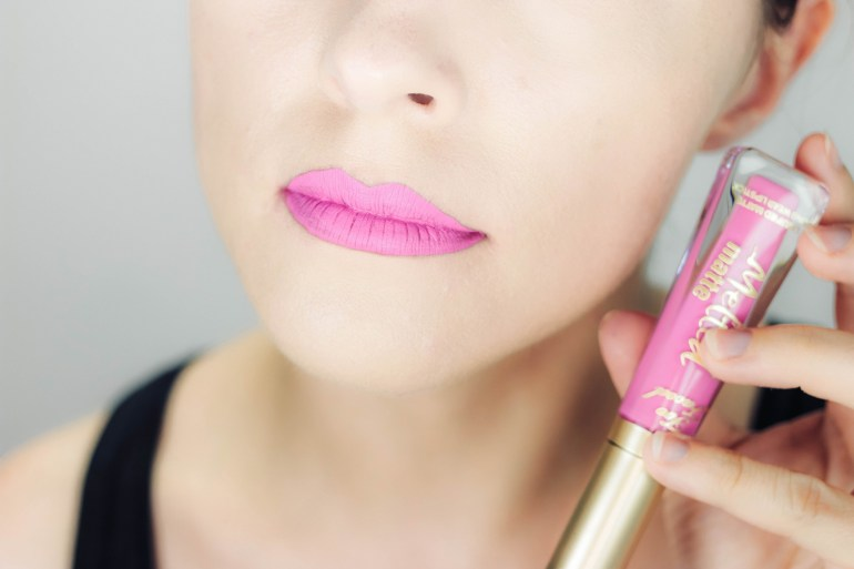 swatch melted matte too faced