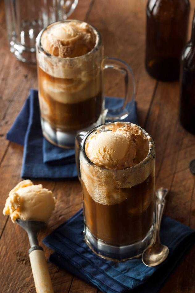Caramel Coffee Ice Cream Float Recipe. Get it here http://www.madescolabs.com/caramel-coffee-ice-cream-float/