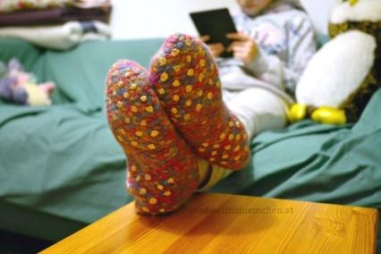 Warme Füße beim Lesen.