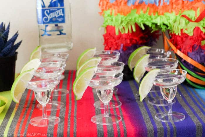 How to throw a Margarita Party for Cinco de Mayo | 3 Ingredient Margaritas | Beer Margarita | Margaritas recipe | Cinco de Mayo party | www.madewithhappy.com