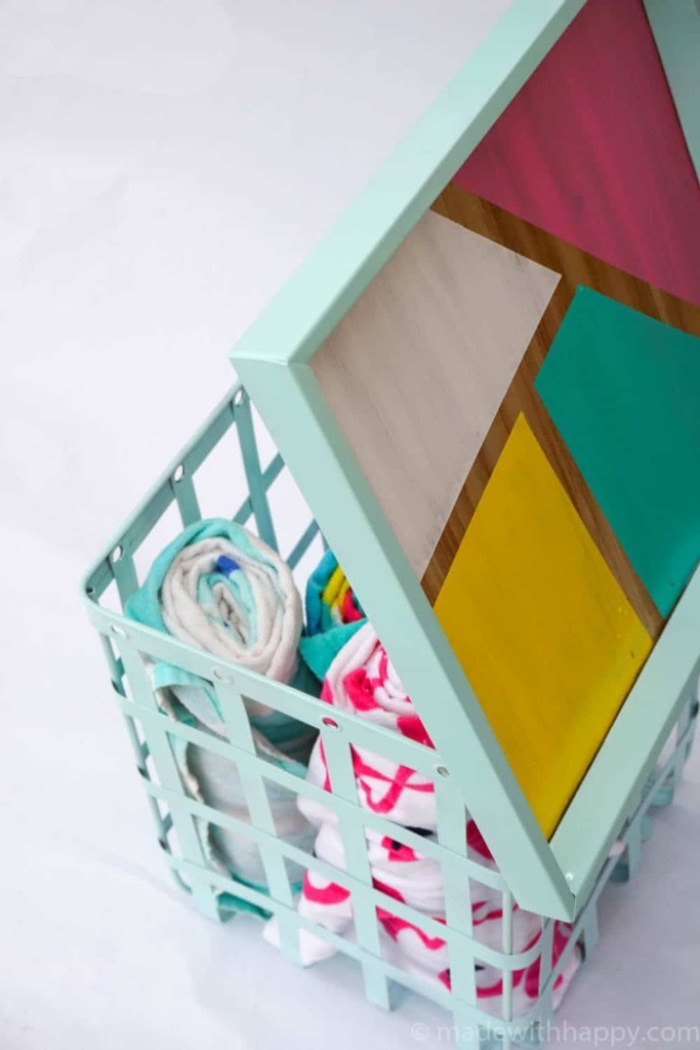 Outdoor-Color-Blocking-Storage-Table-16