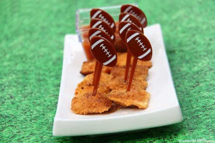Cheddar Fried Ravioli | Game Day Appetizer | Kid friendly appetizers | www.madewithHAPPY.com