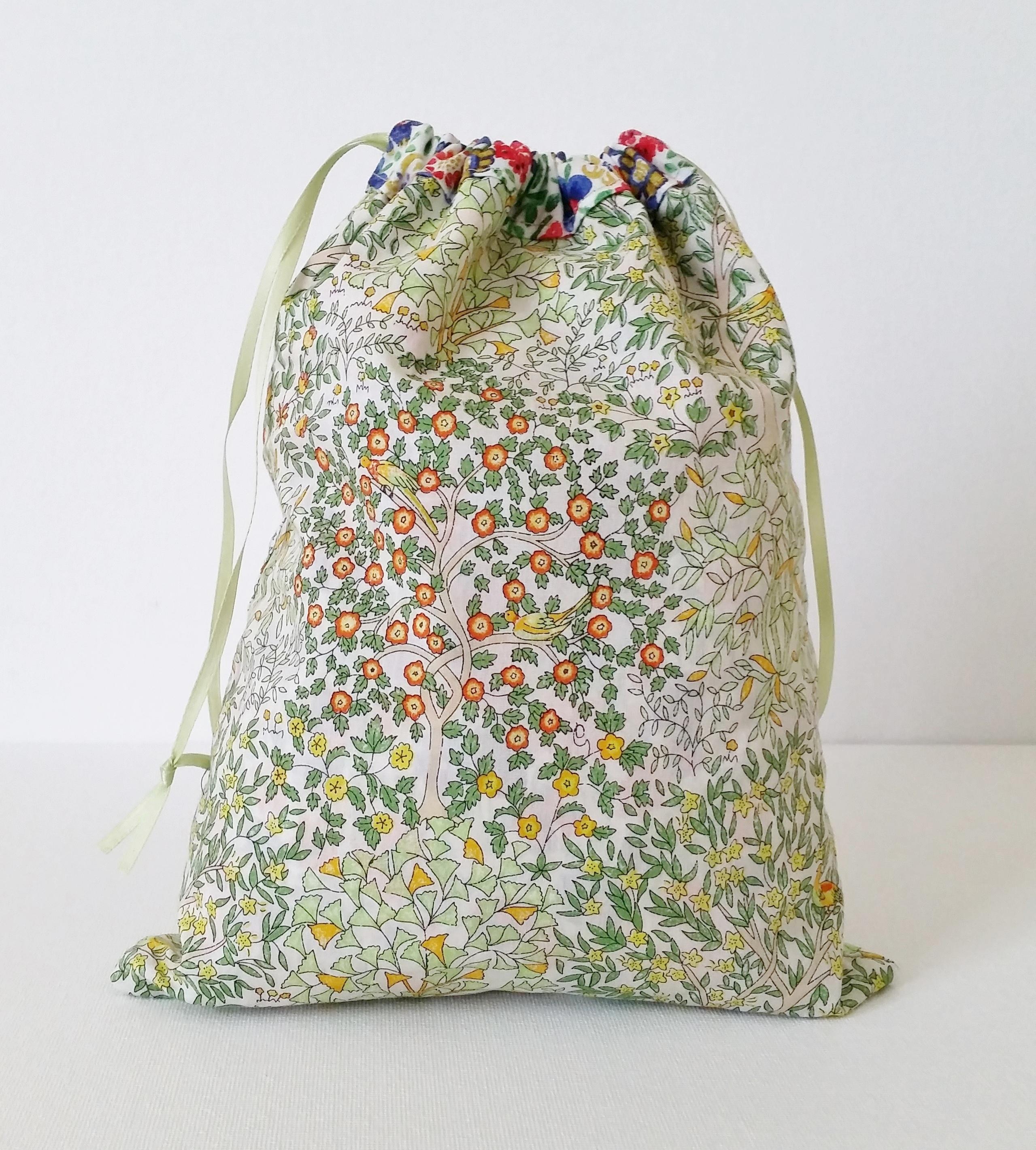 Mad For Fabric - Reversible Drawstring Bag bc0d72565