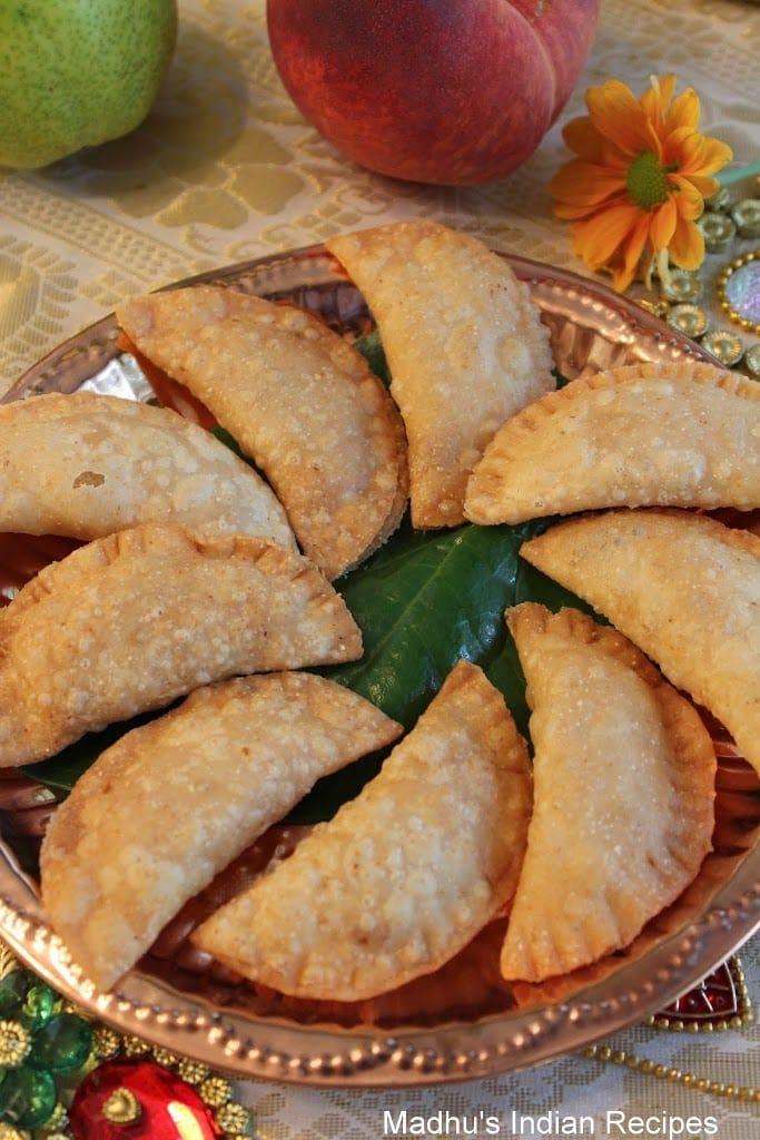 Coconut Kajjikaya for Gowri & Ganesha Chaturthi | Vinayaka  Chavithi Recipe