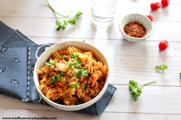 pressure cooker pasta with chilly flakes and water