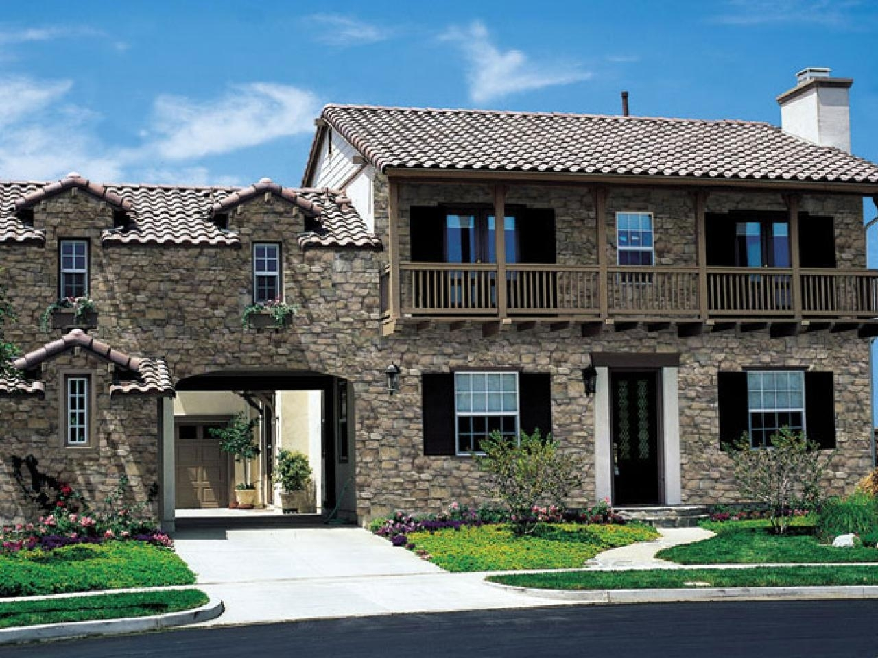 Two Tone House Siding Ideas - Madison Art Center Design on Modern Siding Ideas  id=61929