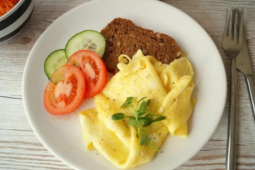 Luftig omelet med ost